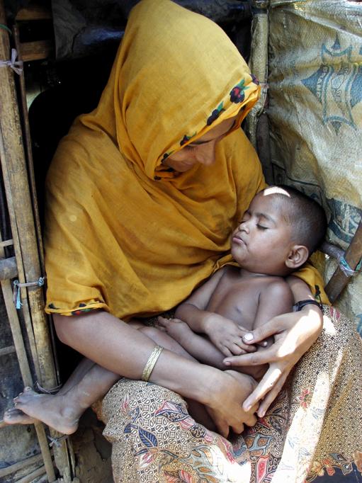 Rohingya mother and child