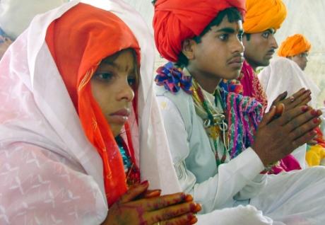 Child bride marriage ceremony, Madhya Pradesh, India, 2003