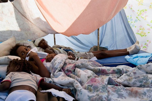 Suvivors of Haiti quake rest in makeshift shelter