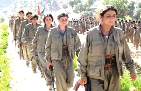 Kurdish women rebel soldiers