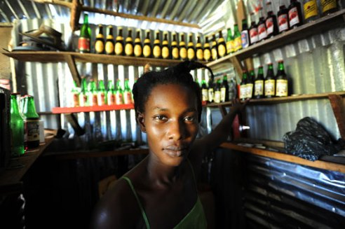 Woman entrepreneur learns business skills through IRC training - Monrovia