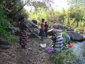 Women fishing in Lunkhwakwa River