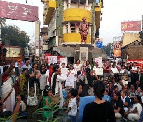 Pune, India protest against gang rape in Delhi