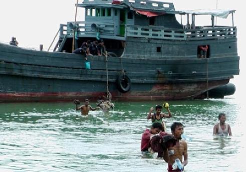 Phuket Rohingya boat people