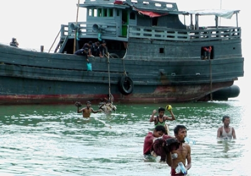 Phuket Rohingya boat people