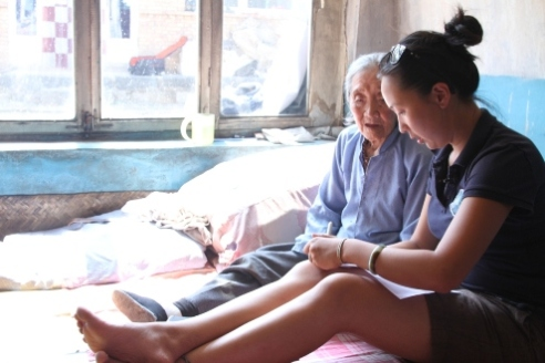 Documentary filmmaker Tiffany Hsiung with one of the Comfort Women