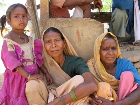 Women from the Sahu family who were victims to unscrupulous doctors in India