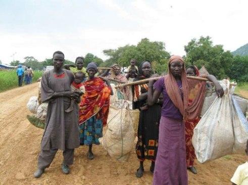 Sudanese refugees on way to Ethiopia 2011