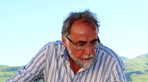 Author Vahan Zanoyan