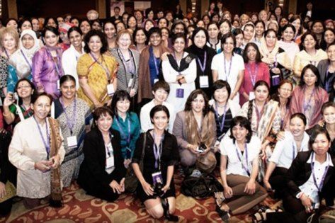 Group picture of Women of the World Foundation and Vital Voices members