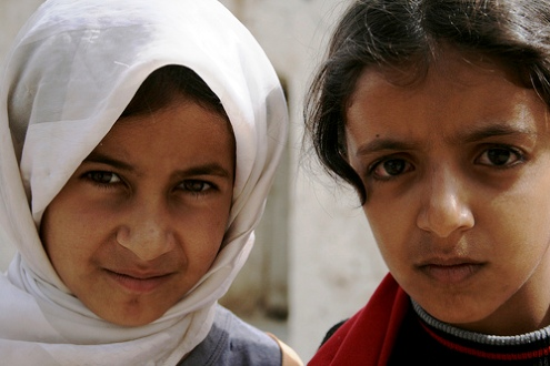 Two young Yemeni girls