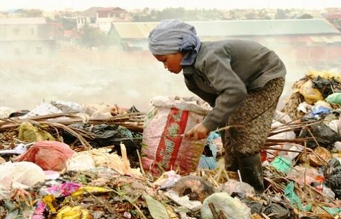 Cambodian rag picker child
