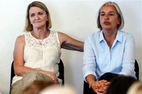 Journalists Anja Niedringhaus and Kathy Gannon