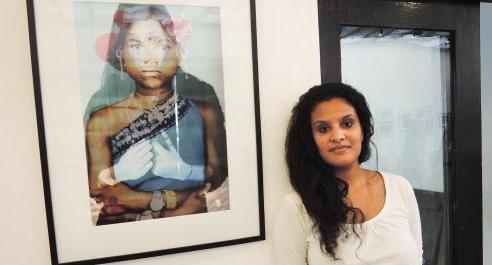 A photo exhibit in Sri Lanka highlights depictions of women. Image: Manori Wijesekera/GPI