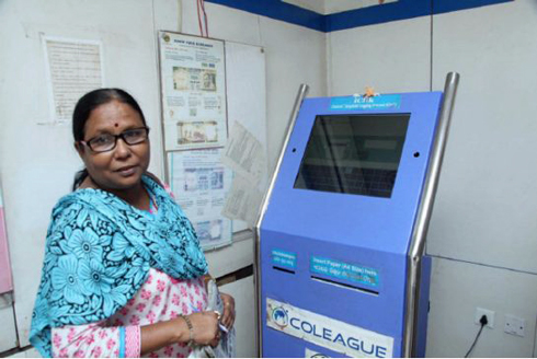Manju Mitra uses the ICLIK machine
